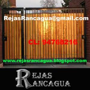foto porton corredizo, con puerta lateral, porton y puerta con madera de pino