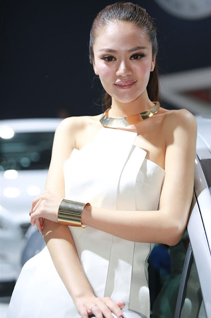 foto model cantik Auto show China 2012-9.jpg