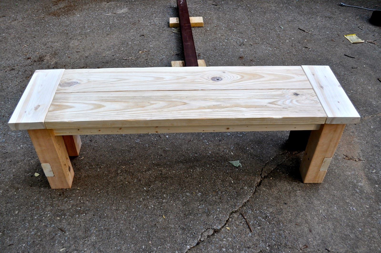 Dare to dream diy farmhouse bench How to build a farmhouse
