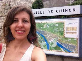 La grand-maître ukrainienne Tatiana Kostiuk en visite au château de Chinon © Chess & Strategy