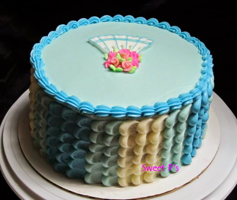 petal cake with undecorated board