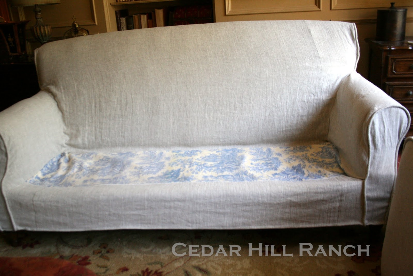 Charmant Form Your Slipcover Onto Of The Furniture You Are Slipcovering. Follow The  Form Of The Piece. Here I Pinned The Piping Following The Curve Of The  Ottoman