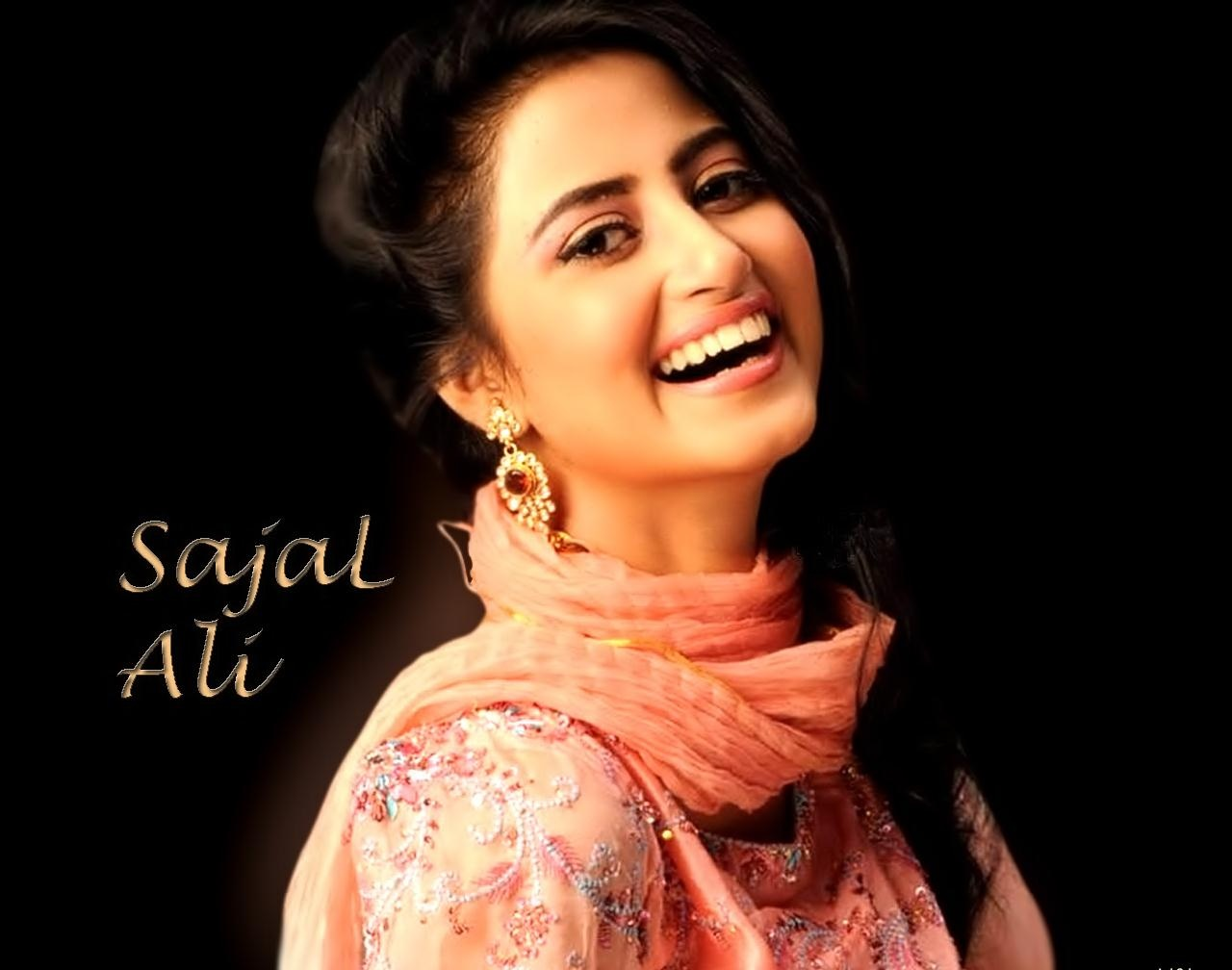 Sajal Ali HD Wallpapers Free Download