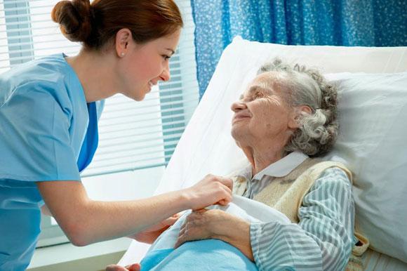 Asistencia a enfermos y mayores en hospitales, domicilios y residencias