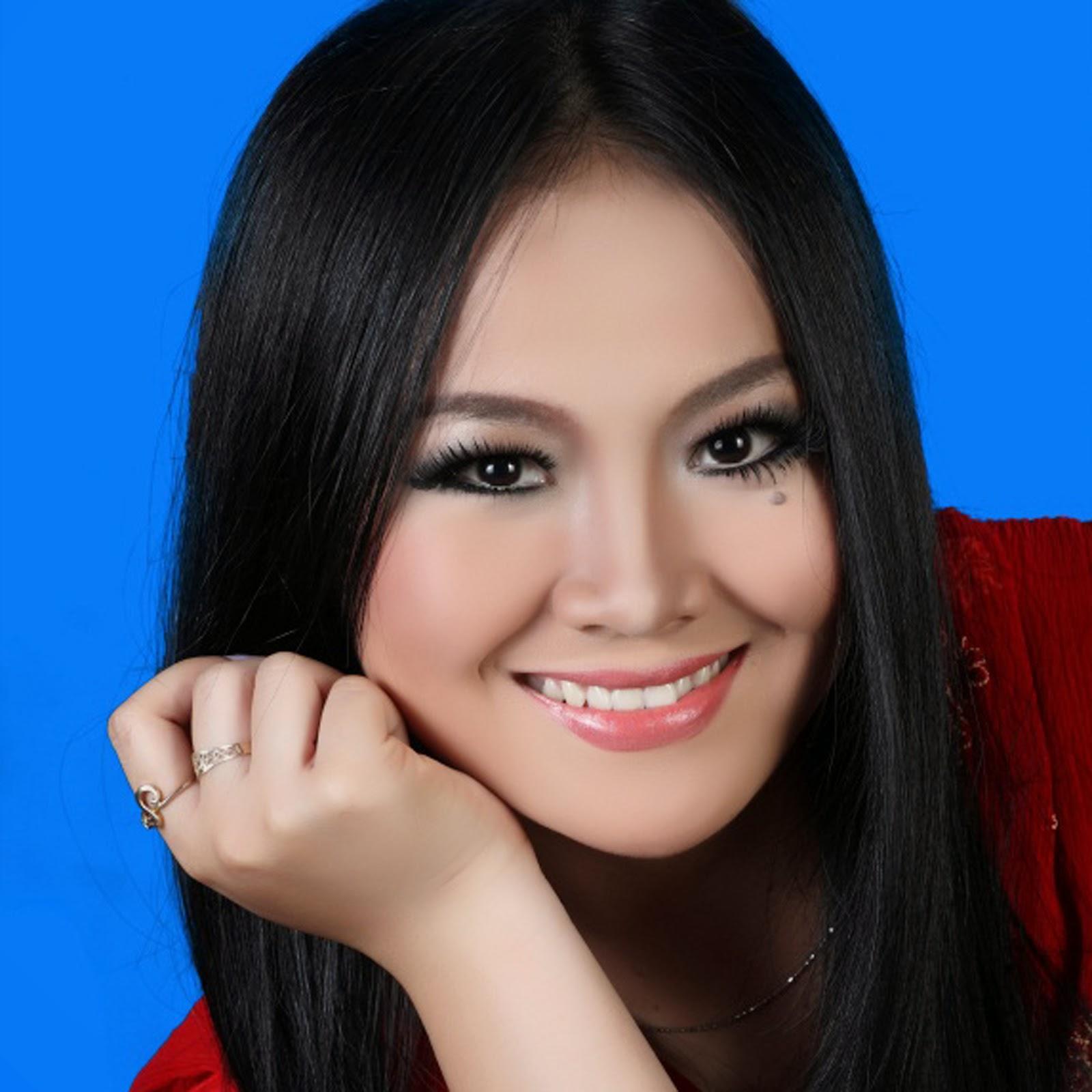 "Dewi Candani ""BERDARAH LAGI"""