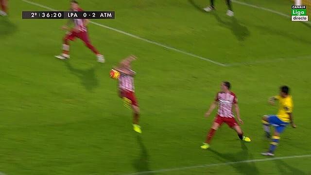Penalti no pitado a favor de la UD Las Palmas