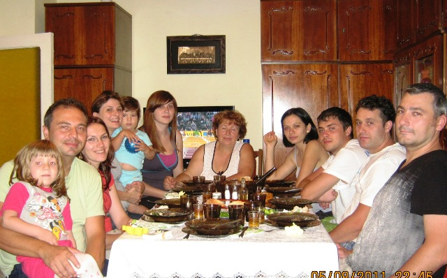 Familia Doboseru, intrunita...