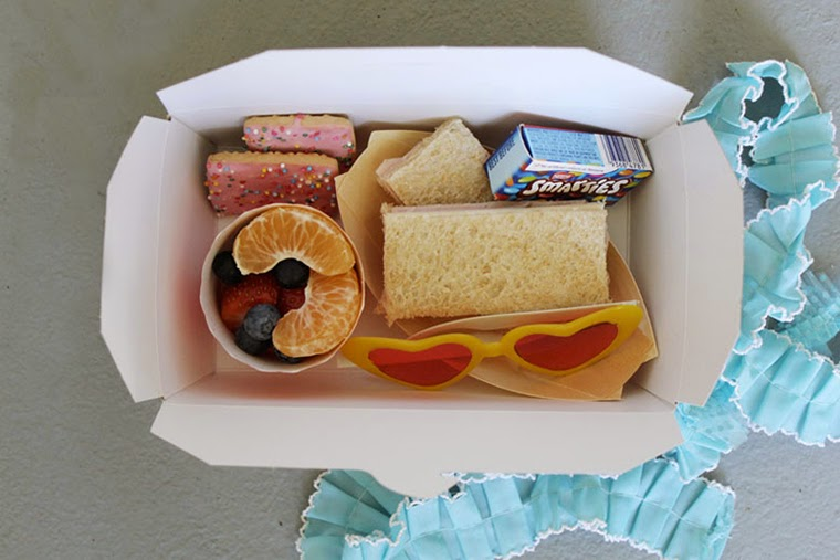 92 food ideas for party lunch boxes these cute paper sandwich monday february 2 2015 forumfinder Gallery