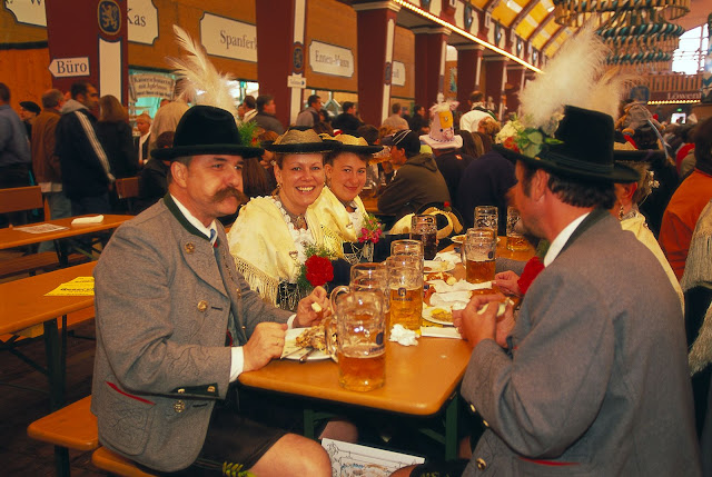 Prost! Photo: © German National Tourist Office. Unauthorized use is prohibited.