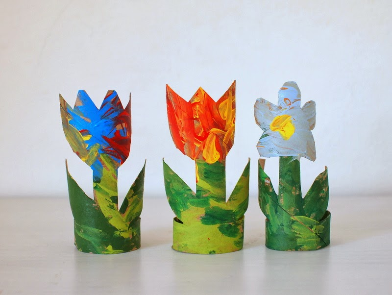 make toilet paper roll tulips and flowers
