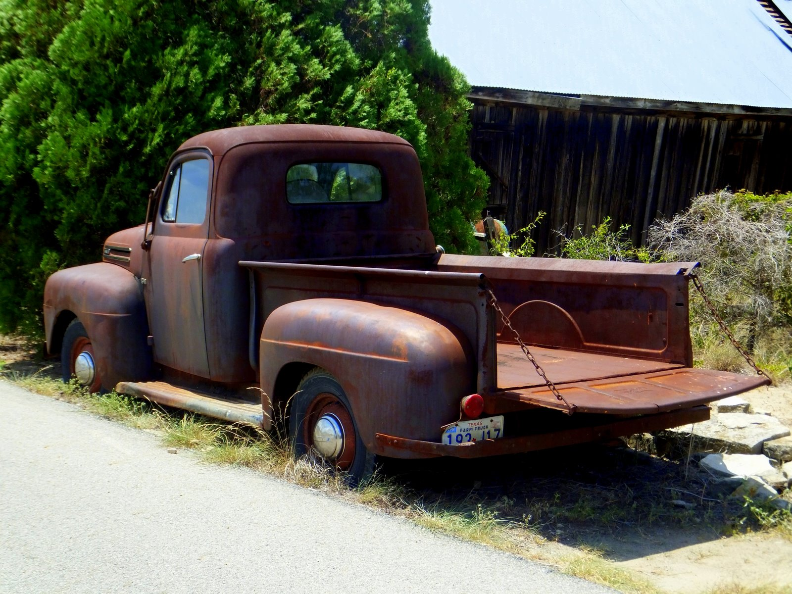 Grit in the Gears: Rusty Old Truck Post No1