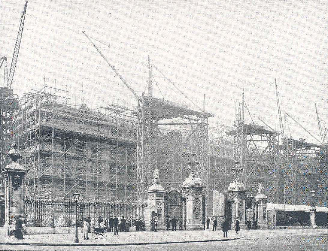 BUILDING STOREYS: Buckingham Palace - Finding Its Own