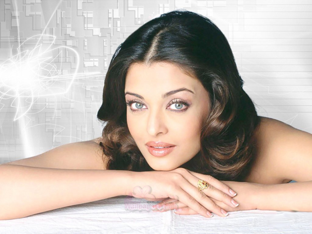 latest hd glamorous girls : beautiful indian celebrity aishwarya rai