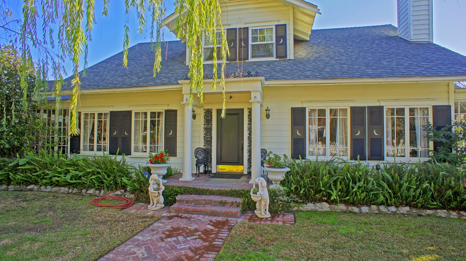 11122 Kling Street, West Toluca Lake Listed With Heather Farquhar