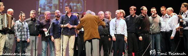 Imatge panoràmica de l'escenari de la cantada