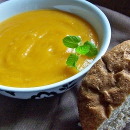 Butternut Squash Soup with Bread Roll