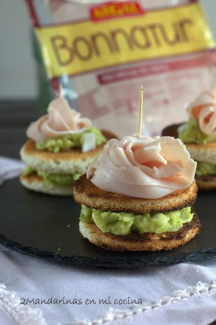 Montaditos de pavo con guacamole