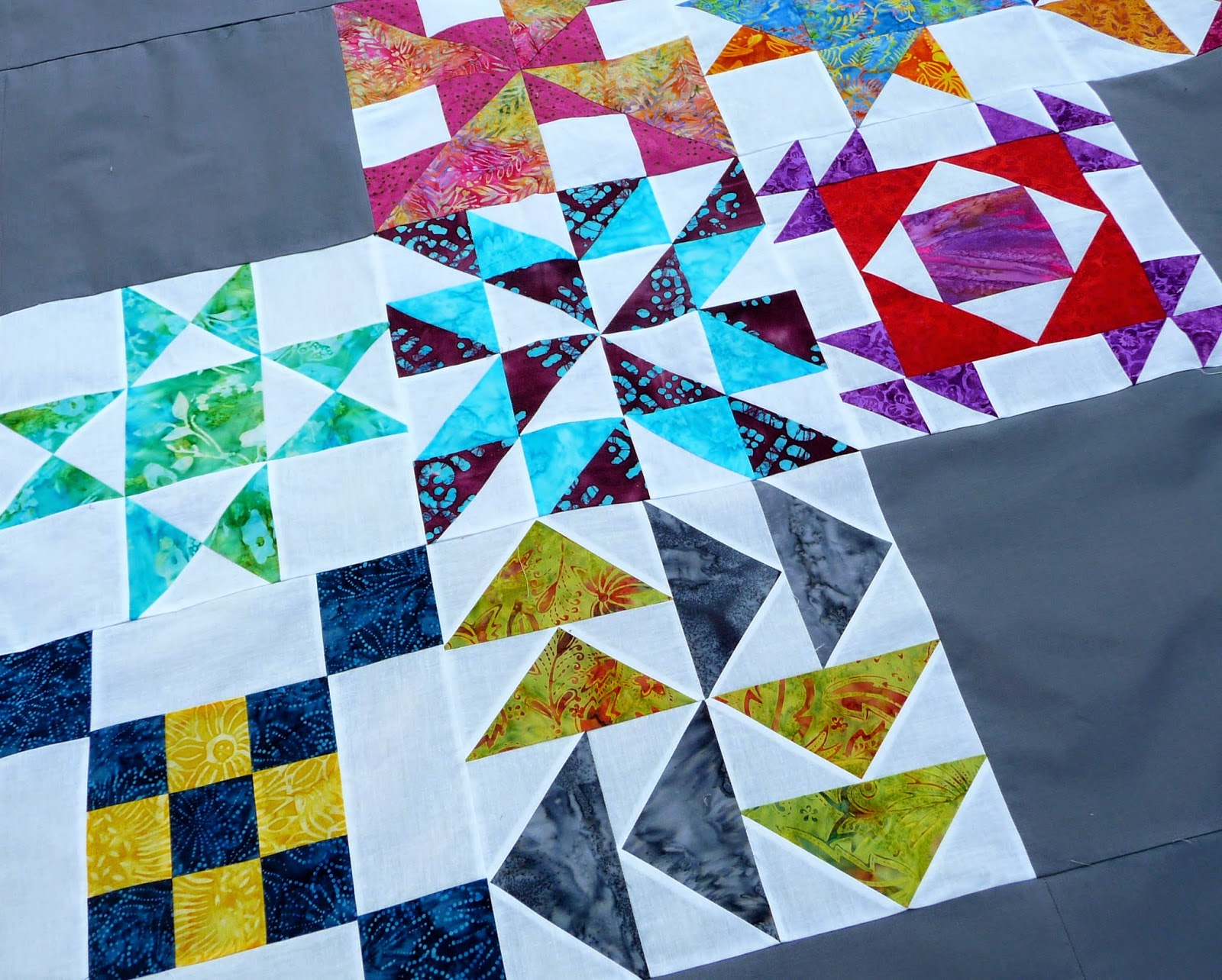 Handmadewhimzy Blog: 2013 Saturday Sampler Finished Quilt Top