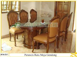 Kursi dan Meja Makan Ukiran Kayu Perancis Ratu Meja Gendong