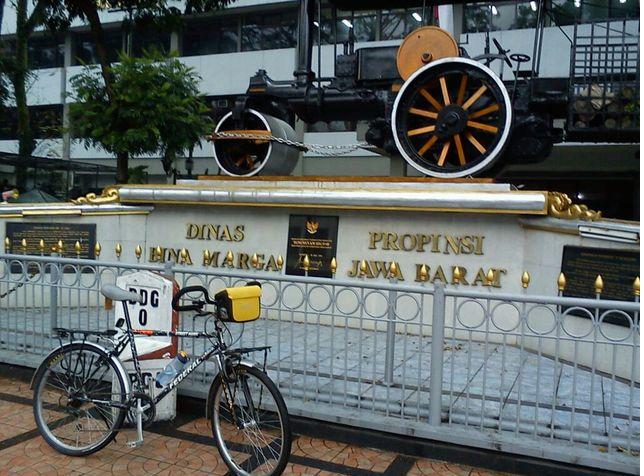 Kilometer 0, salah satau Tempat Bersejarah di Kota Bandung