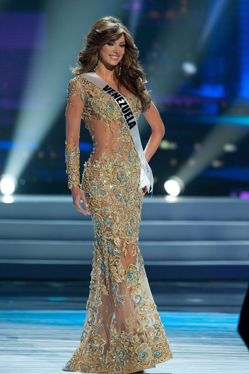SASHES AND TIARAS.....Miss Universe 2011 Preliminaries Gown Trend ...