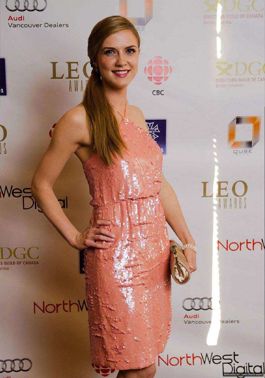 Sara Canning - Picture Colection