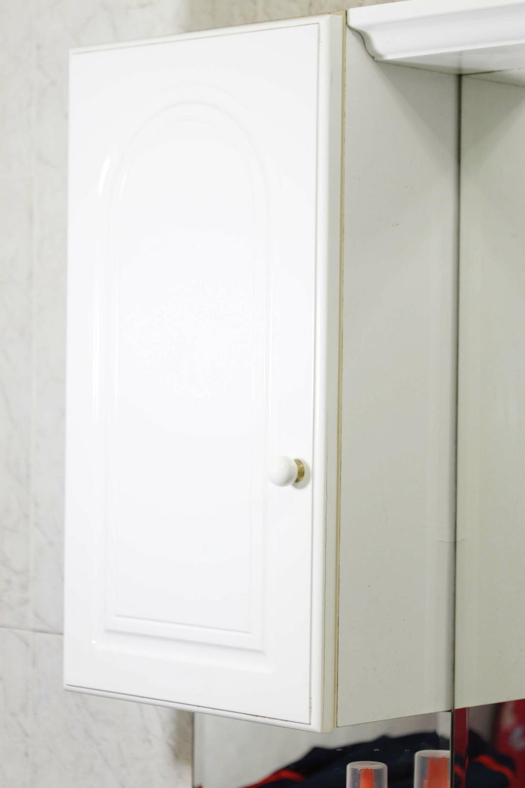 Diy operaci n orden en casa mini percheros para mini for Perchas adhesivas para puertas