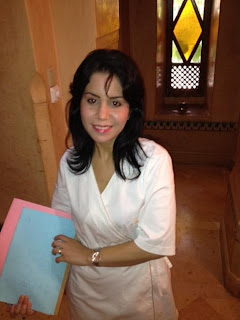 Naïma, responsable des bains à l'Hôtel Les Deux Tours