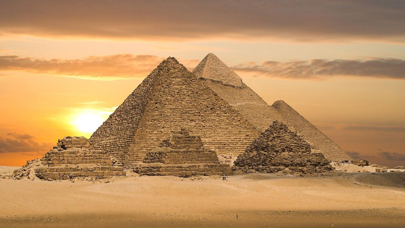 http://2.bp.blogspot.com/-SGHJ8soye2A/UOMiVcSXAXI/AAAAAAAASO4/-N1Ff54BUY8/s1600/piramides+(2).jpg