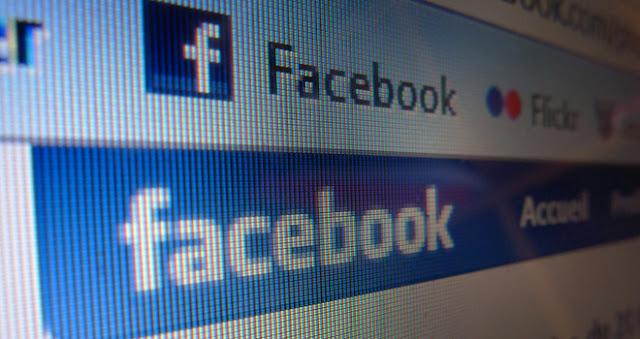 """El hacker Nik Cubrilovic aseguró en su blog que Facebook puede seguir rastreando los sitios web que visitas aun después de hacer logout en el sitio, debido a la manera en que la red social gestiona las cookies. Cubrilovic realizó varias pruebas, determinando que en lugar de solicitar a los navegadores que las cookies se eliminen cuando un usuario cierra su sesión, Facebook solamente """"altera"""" el estado de estos documentos, incluyendo la cookie que registra tu número de cuenta. Como resultado, si pasas por un sitio que tiene un botón """"me gusta"""" de Facebook o """"cualquier otro widget"""", tu información"""