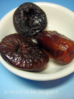 dried-fruit-fig-date-apricot