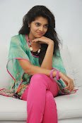 Sravya Latest photos Gallery-thumbnail-13