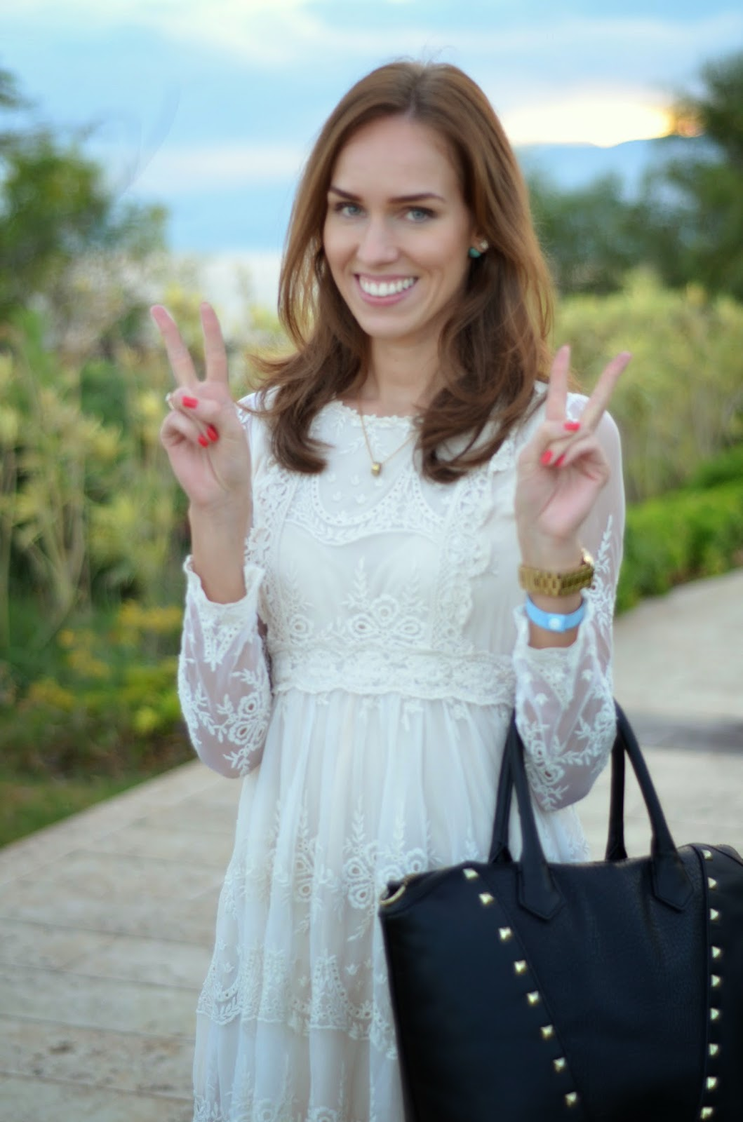 white-lace-dress-chicwish-necklace-marc-jacobs