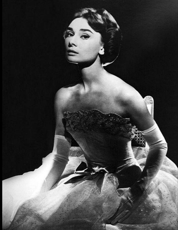 Vintage Dresses Audrey Hepburn S Lookbook Retro Dresses