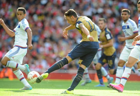 Cuplikan Gol Arsenal 6-0 Lyon (Emirates Cup 2015)