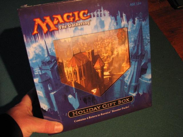 MTG Realm: MTG Holiday Gift Box