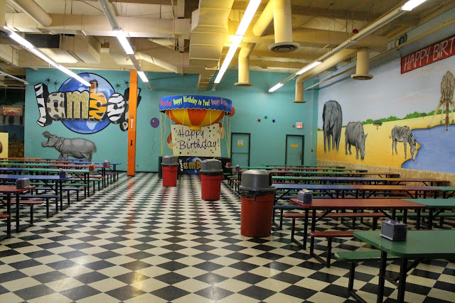 Jambo indoor amusement park review east valley mom guide for Indoor swimming pools in mesa az