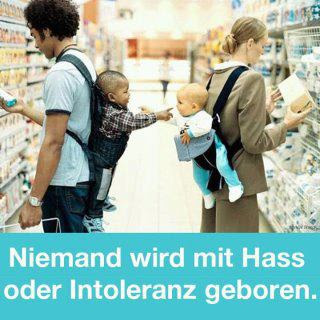 Bild mit zwei Babys im Supermarkt