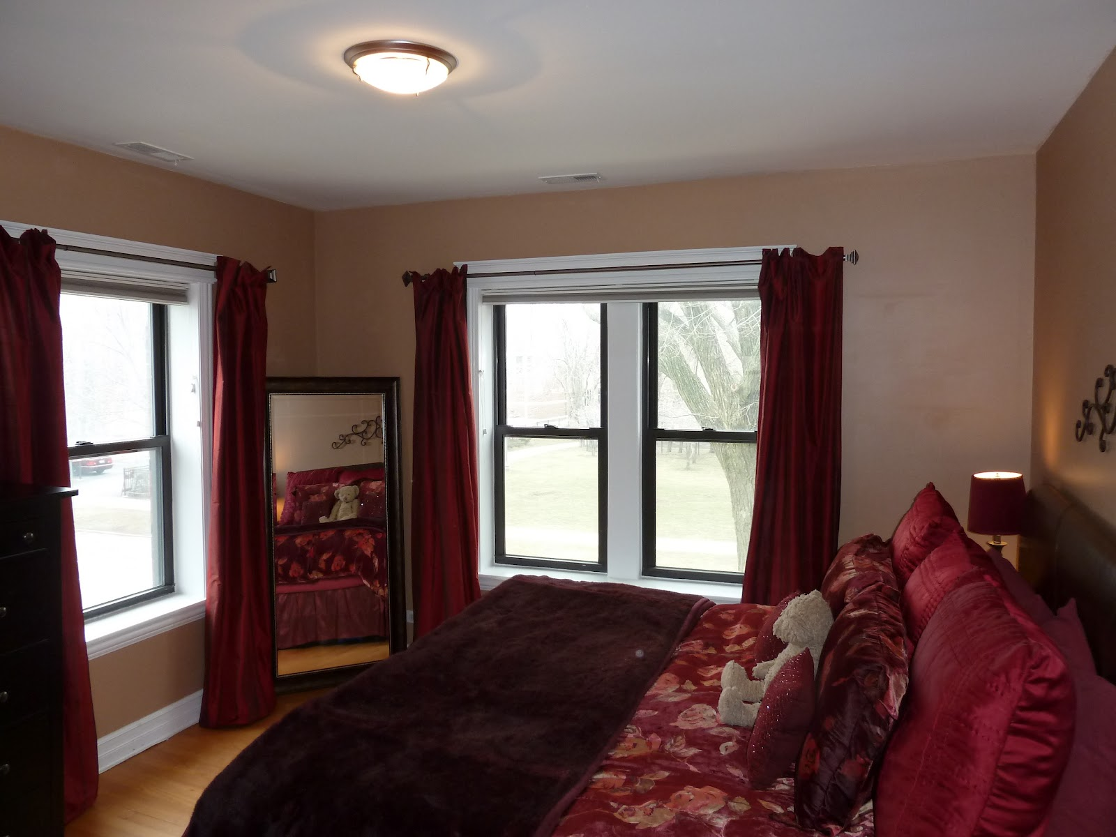 The Chicago Real Estate Local New For Sale Gorgeous Two Bedrooms Ravenswood Condo 150 000