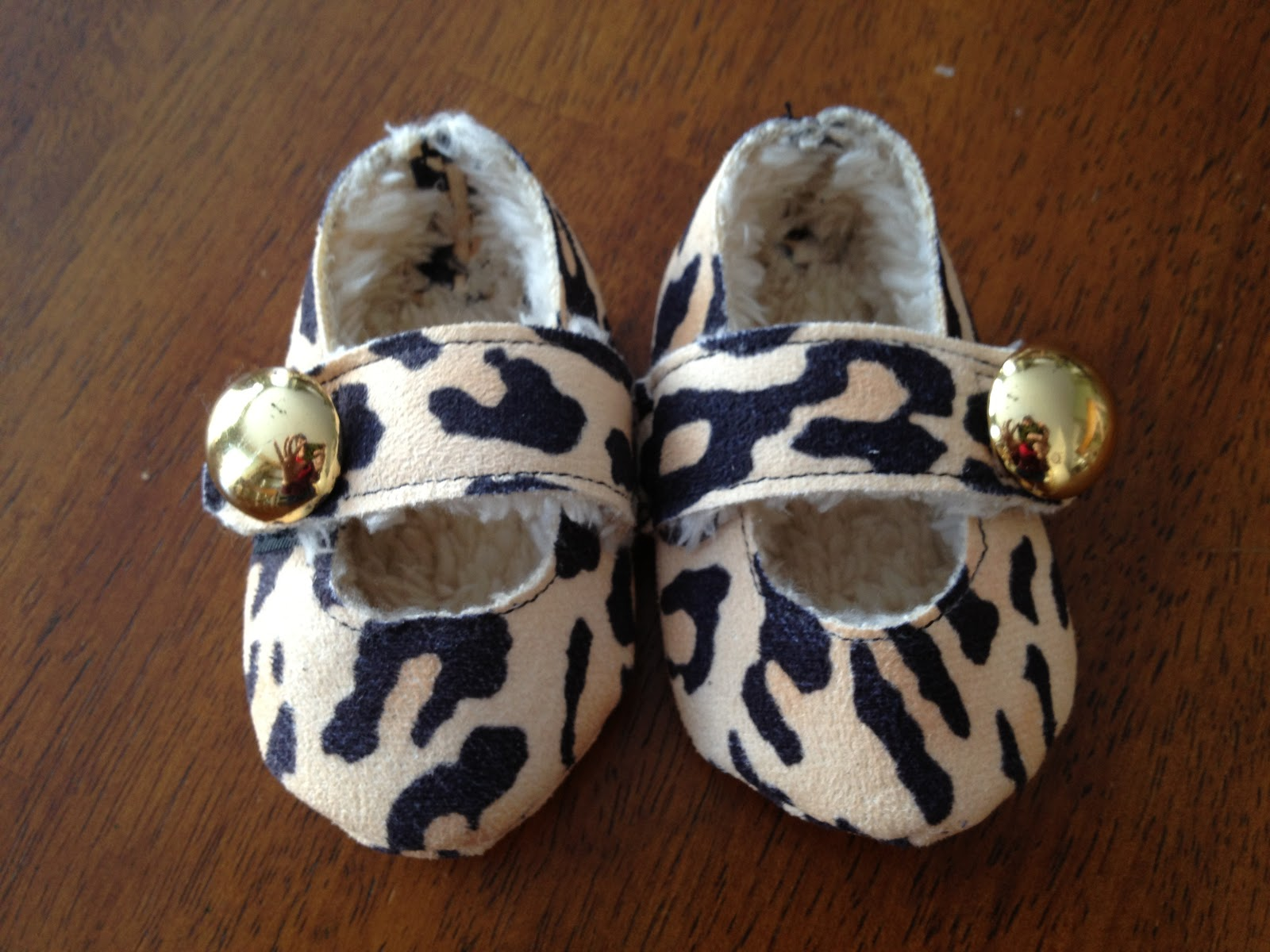 I Am Momma Hear Me Roar Feature Friday DIY Baby Shoes