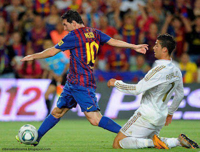 Cristiano Ronaldo Behind Of Lionel Messi Hd Wallpaper