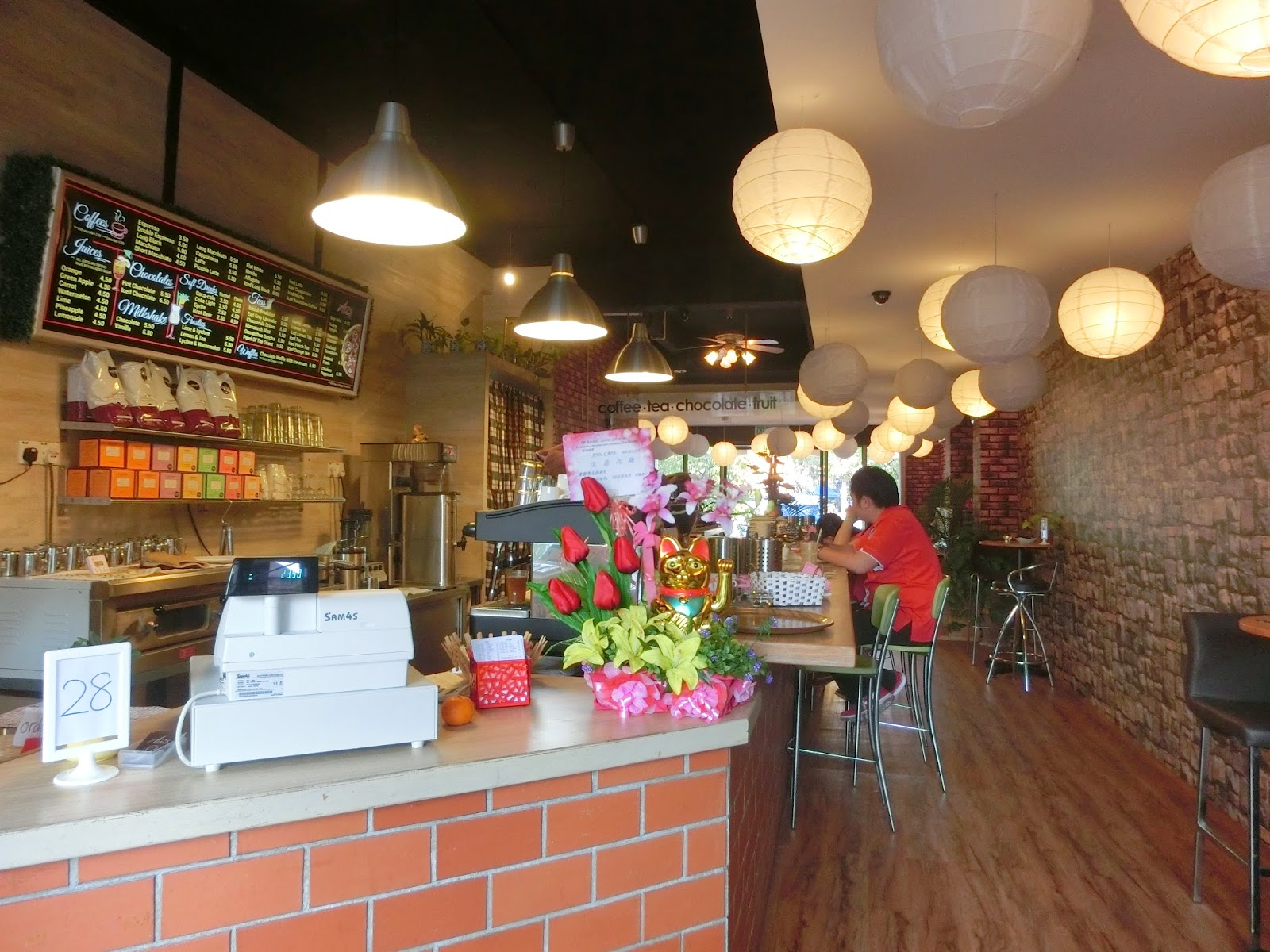 Ans coffee kampar new town closed feliciaace previously this cafe is a bubble tea shop and at that time it was a trend and there were like more than 5 bubble tea shops in kampar itself junglespirit Images
