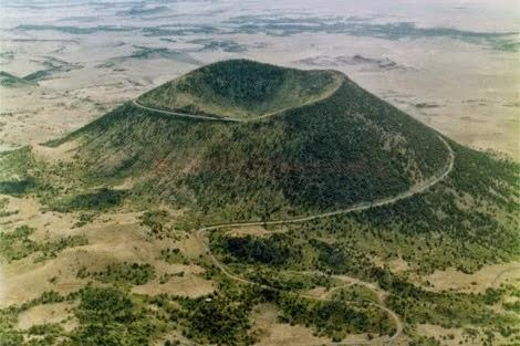 Melintasi Gunung Sempit