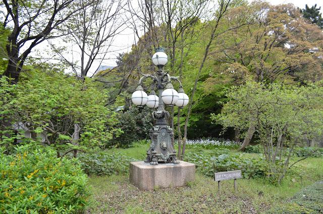Garden lamp in East Garden, Tokyo