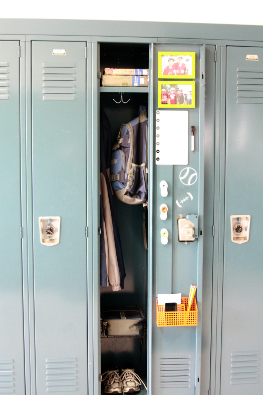 What would be a good way to be organized at school without using my locker?