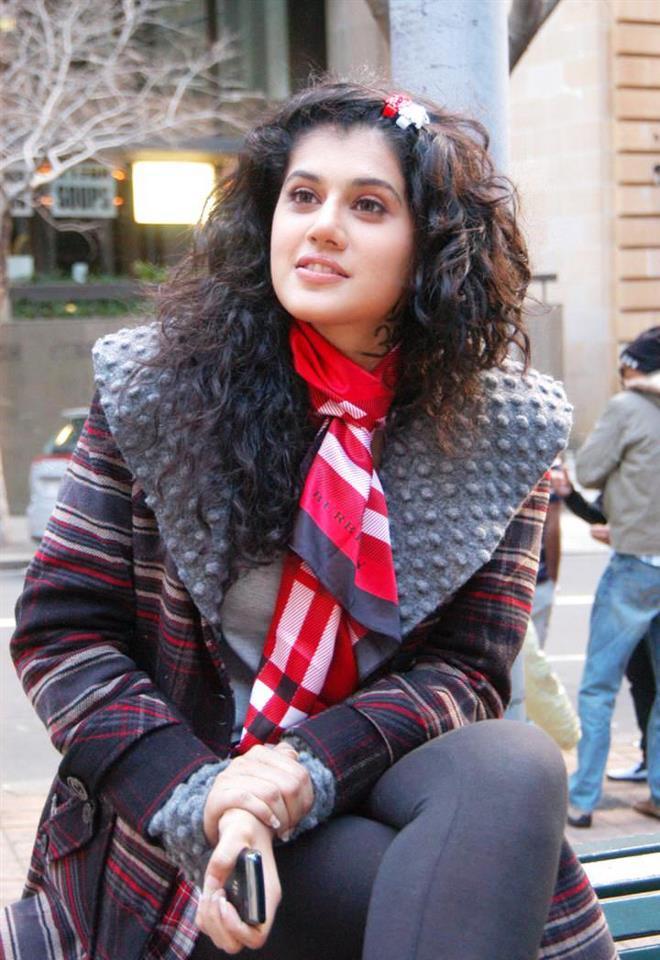 Indian Stunning Actress: Taapsee Pannu SexY Hot N Stunning Unseen Pics