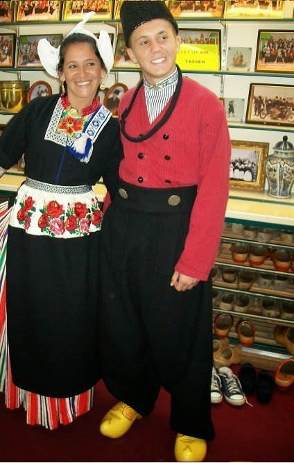 Volendam dress costume