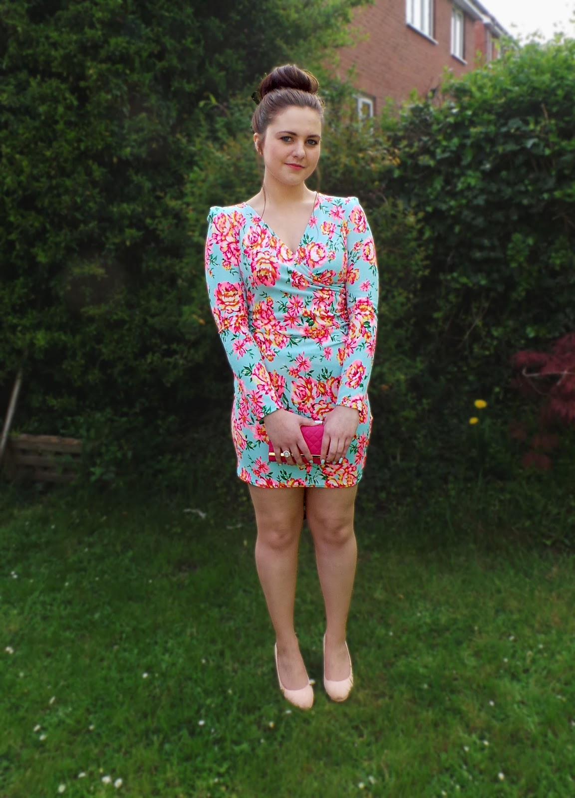 ikrush dress, ikrush review, lauras all made up blog, uk fashion blog, uk fashion blogger, fbloggers, blog, blog post, outfit, OOTD, outfit post blog, style blog, fashion and style blog, lookbook blog, spring dress, floral dress, bodycon floral dress, bodycon dress, pretty dress,