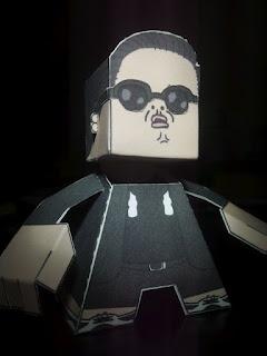 PSY Oppa Gangnam Style Papercraft-1
