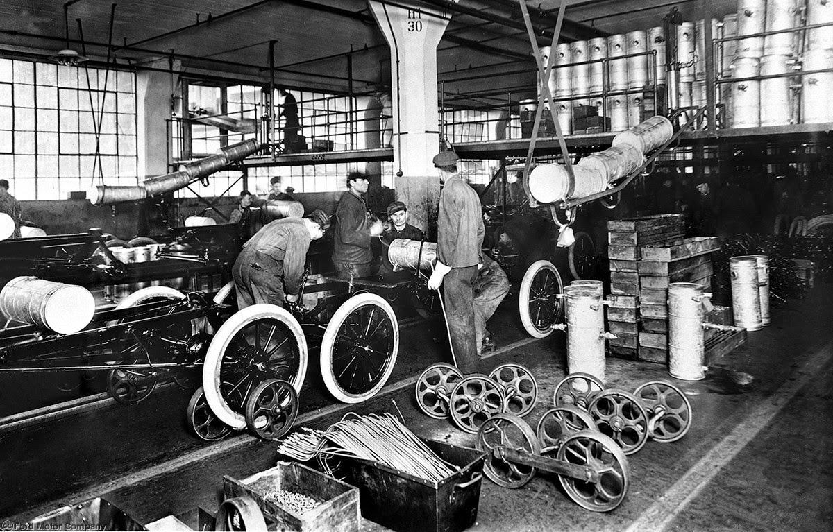 The Highland Park cadena de montaje, 1913 Ford Motor Company